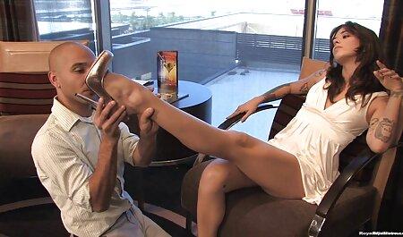پیچ خورده, برهنه, مصاحبه برای غزاله جاوید سکس کار