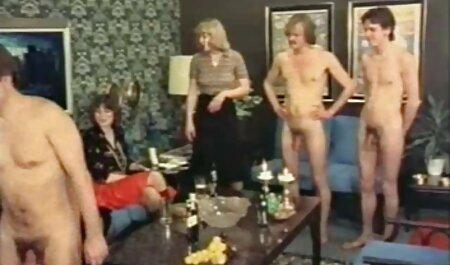 یوجین اسمیت undresses در صندلی عقب یک تاکسی فلم سکس سوپر