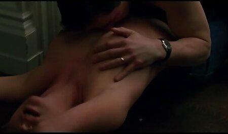 سکسی, lanas, برهنه در ملاء عام و باز فلش دختر در کنار درب فلم شکش